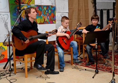 31.03.2011 - Aprílová kytara
