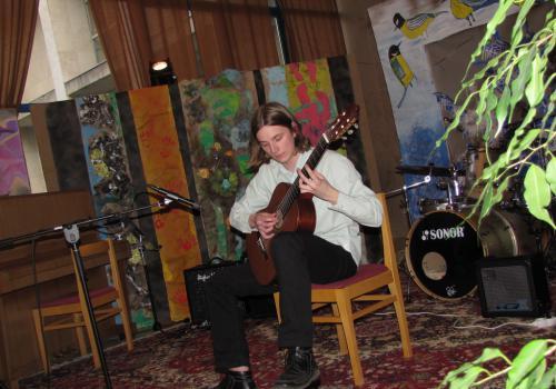 30.03.2010 - Aprílová kytara